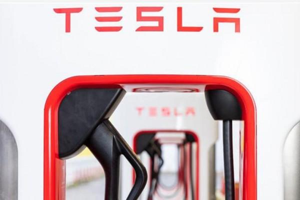 让充电与加油同样快捷 特斯拉V3超充实现新速度