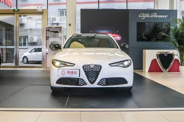 阿尔法·罗密欧Giulia 280HP黯夜魅影限量版到店