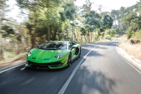 兰博基尼Aventador未来继任车型将搭载混动V-12
