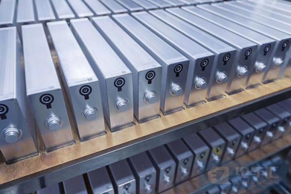 2020年动力电池装车数据:宁德时代原地踏步,LG