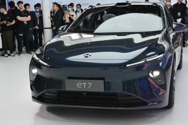 2021上海车展:蔚来eT7亮相