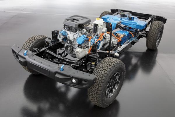 Jeep牧马人4xe价格公布 售价52.49万元和60.49万