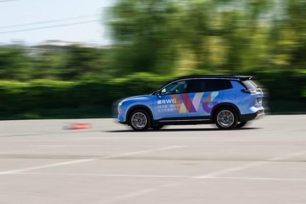 """体验智能化:威马W6的""""无人驾驶""""挑战赛"""