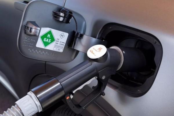 海马汽车完成首款氢燃料电池汽车开发
